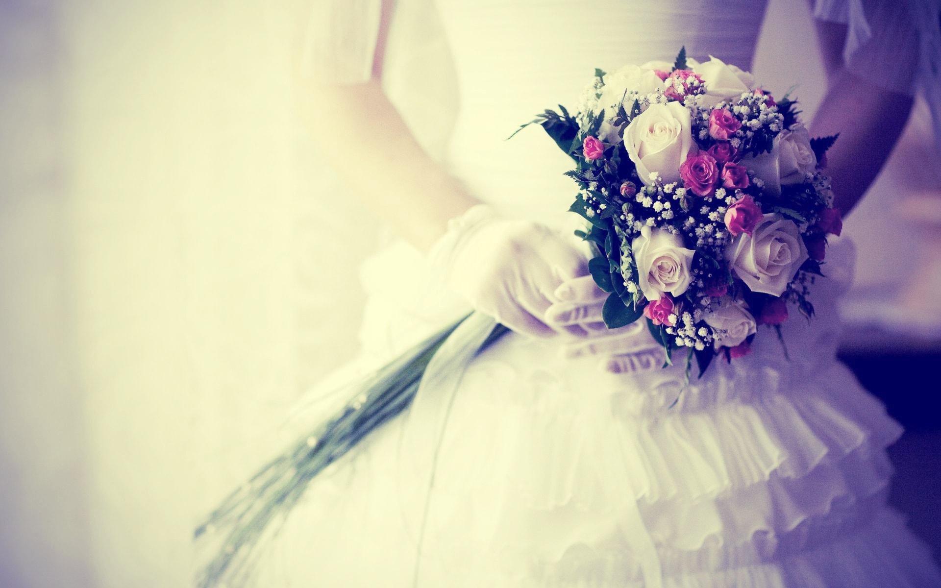 لباس عروس و آرایشگاه عروس